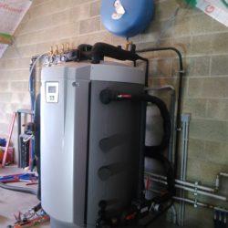 Warmtepomp luct/water EcoAir 415 + EcoZenith 550 PRO! EcoZenith 550 gekoppeld aan speksteen kachel Tulikivi dit alles gestuurd door de EcoZenith 550 PRO.